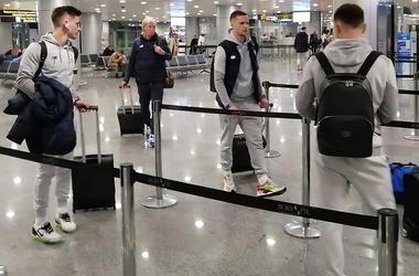 «Динамо» отправилось на матч с «Шахтером». Репортаж из аэропорта