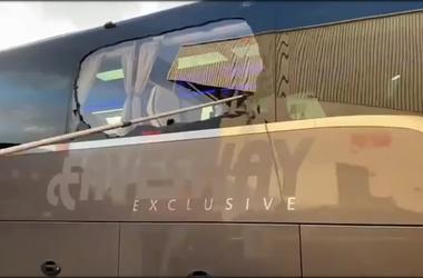 Автобус «Реала» забросали камнями