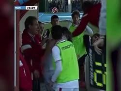 В Италии главный тренер ударил футболиста своей команды и был за это удалён
