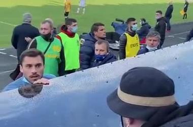 Георгий Бущан пообщался с болельщиками, настроенными против Луческу