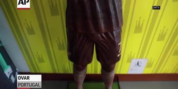 Португальский кондитер создал шоколадную скульптуру Роналду в натуральную величину