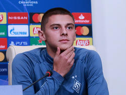 «Динамо» — «Гент»: предматчевая пресс-конференция Виталия Миколенко