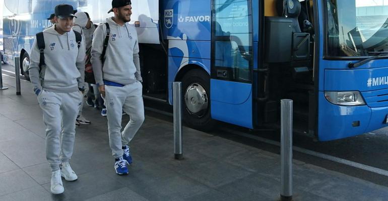 «Динамо» отправилось на матч с «Мариуполем»
